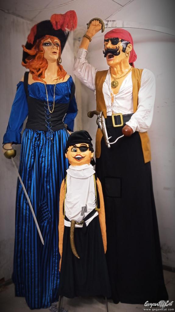 Gegants pirates del barri de Santa Eulàlia de l'Hospitalet